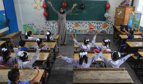 Gaza students return to classes after five month break